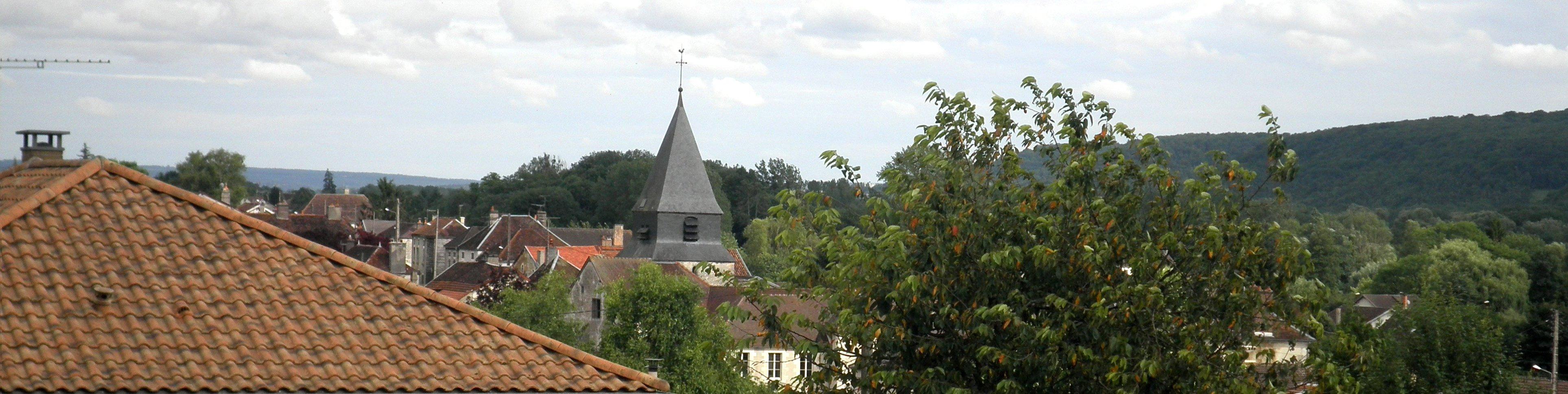 vue d l'église et du village d'Arsonval