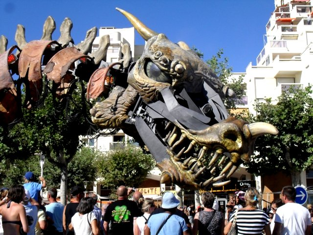 La dragon du carnaval de La-Grande-Motte 2012
