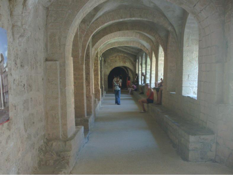Le Cloître de l'abbaye de Saint-Guillem du Désert