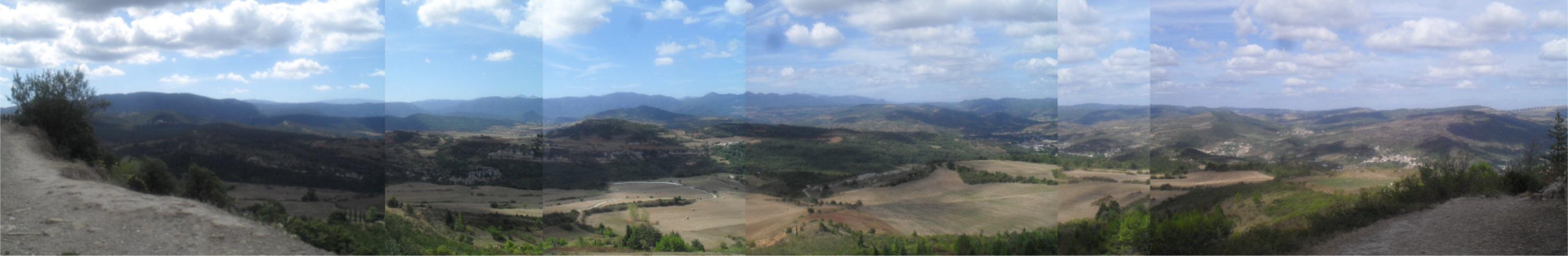 Vue panoramique sur le Casteillas et le sud des Pyrénées