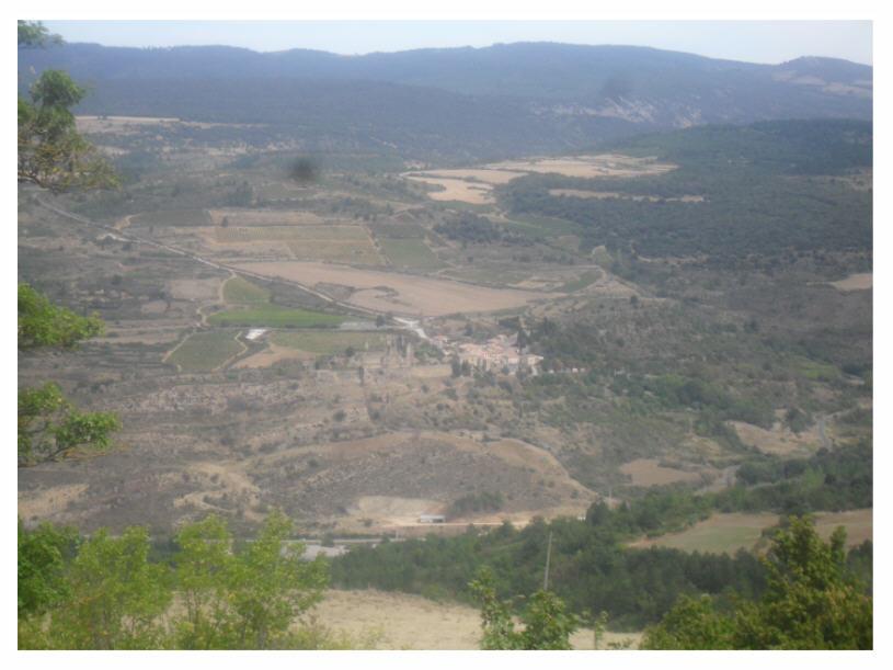 Vue du des environs et du village de Coustaussa