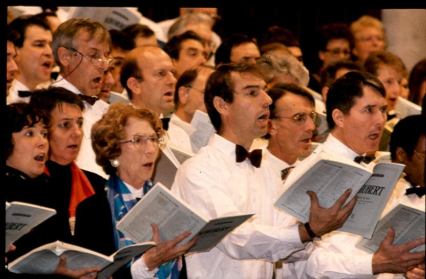 Une partie des choristes Ténors  et Soprani de l'Ensemble Maurice Emmanuel